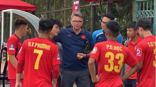 HLV Philippe Troussier triệu tập thêm 4 cầu thủ HAGL lên U19 Việt Nam