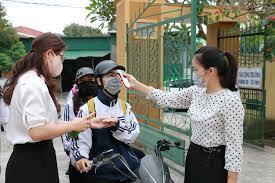 Kiểm tra thân nhiệt cho tất cả thí sinh tham dự thi tốt nghiệp THPT tại TP.HCM