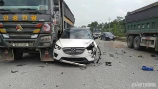 Tin tức tai nạn giao thông ngày 27/7:  Xe ô tô gây tai nạn liên hoàn khiến 1 người tử vong