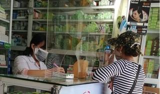 Người mua thuốc ho, hạ sốt ở TP.HCM phải khai báo y tế