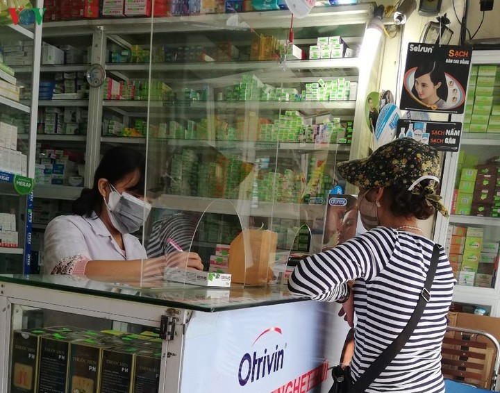 100% người mua thuốc ho, hạ sốt ở TP.HCM phải khai báo y tế