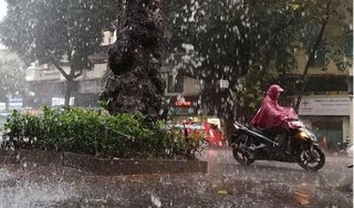 Bắc Bộ có mưa lớn, Trung Bộ vẫn nắng nóng gay gắt