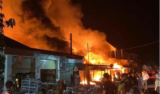 Cháy khu chợ có đông người Việt buôn bán ở Lào