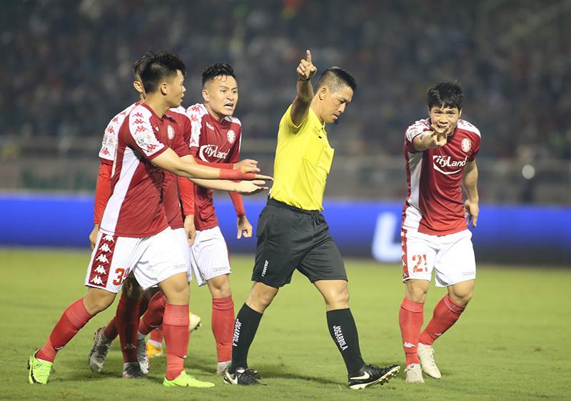 Ông Dương Văn Hiền từ chối tiết lộ án phạt dành cho trọng tài bắt trận TP.HCM- Hà Nội FC