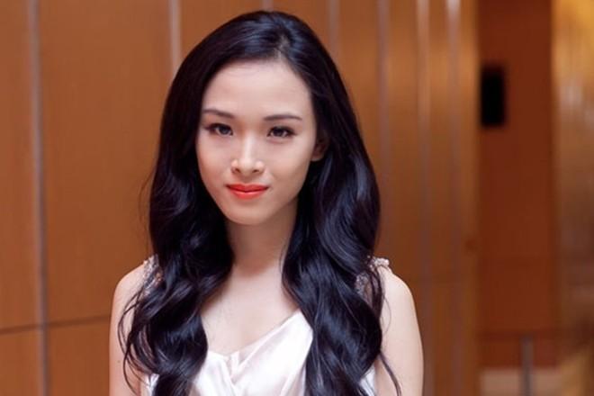 Hoa hậu Phương Nga làm đơn tố cáo 2 cán bộ Công an TP.HCM