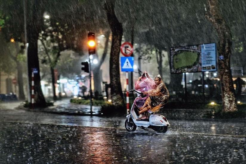 Đầu tháng 8, Hà Nội có mưa rất to trên diện rộng