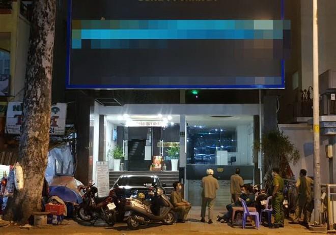 Phong tỏa khách sạn đối diện Bệnh viện Chợ Rẫy do ca nghi nhiễm Covid-19