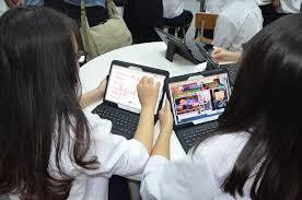 Trường đại học đầu tiên chính thức cho sinh viên học online để phòng dịch
