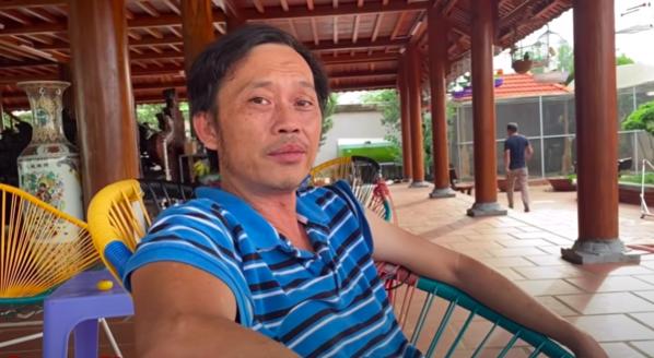 NSƯT Hoài Linh nằm ngủ gục trên trường quay vì kiệt sức khiến fan xót xa