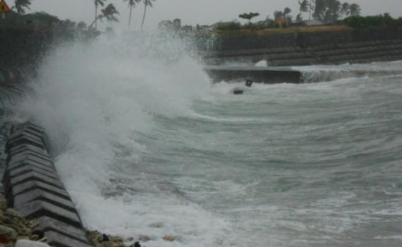 Vùng áp thấp đã đi vào Biển Đông