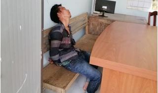 Một công an viên bị đối tượng nghiện xông vào trụ sở đâm trọng thương