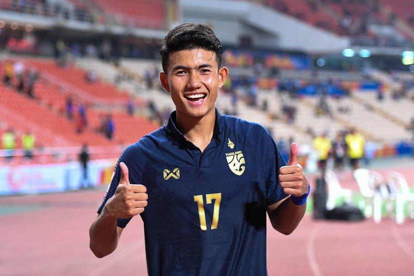 Thần đồng' bóng đá Thái Lan Suphanat Mueanta đắt giá gấp 12 lần Đoàn Văn Hậu