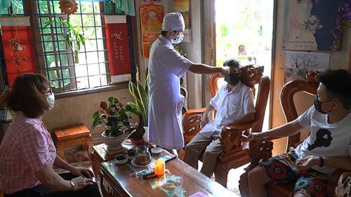 Hải Dương: Cách ly 70 cán bộ và nhân viên y tế đi du lịch Đà Nẵng về
