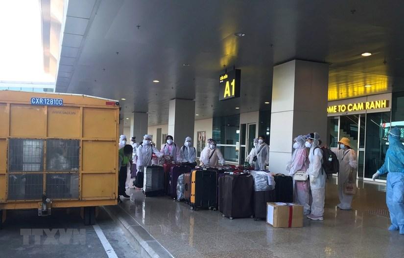 Đưa thêm gần 300 người Việt từ Mỹ, Nhật Bản về nước