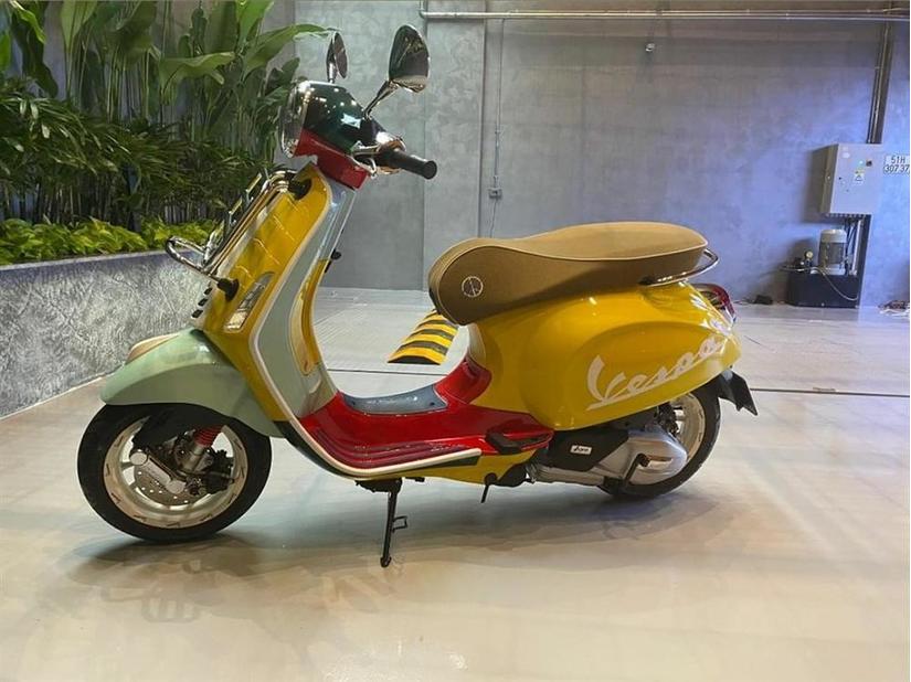 Cường Đô La mua xe máy cả trăm triệu phiên bản giới hạn để tặng vợ bầu