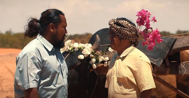 'Cát đỏ' tập 2: Tư mang bò đến cầu hôn Đủ, Nhớ - Nguồn chính thức gặp nhau