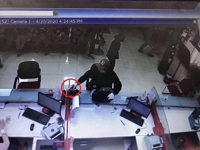 Đề nghị truy tố đối tượng mang súng cướp ngân hàng Techcombank