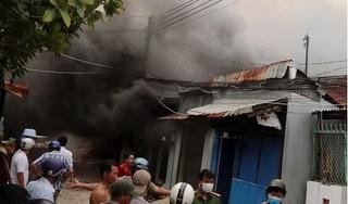 Hỏa hoạn ở khu dân cư, gần chục căn nhà bị cháy rụi