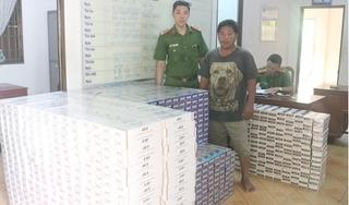 Tạm giữ hình sự tài xế chở 14.350 bao thuốc lá lậu