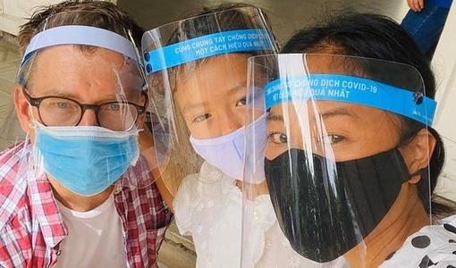 Gia đình ca sĩ Đoan Trang xét nghiệm Covid-19 sau chuyến đi Đà Nẵng