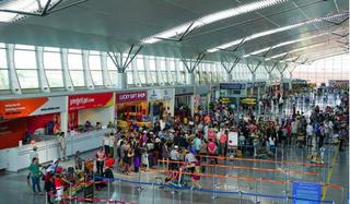 Bộ Y tế truy tìm khẩn người trên 2 chuyến bay và 9 địa điểm tại Quảng Nam, Đà Nẵng
