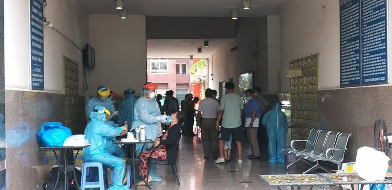 Bệnh nhân 567 và 568 ở TP.HCM từng đến nhà hàng và công ty làm việc