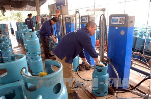 Giá gas hôm nay 2/8: Tồn kho tăng cao, giá gas giảm trở lại