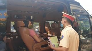 Xe limousine chở khách không hợp đồng, tài xế không có bằng lái