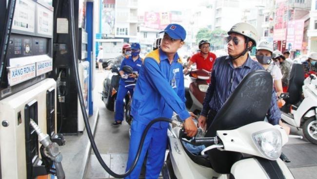 Giá xăng dầu hôm nay 4/8: Dầu tăng khi nguồn cung tăng