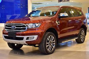 Xả tồn kho, Ford Everest giảm giá kỷ lục tại Việt Nam