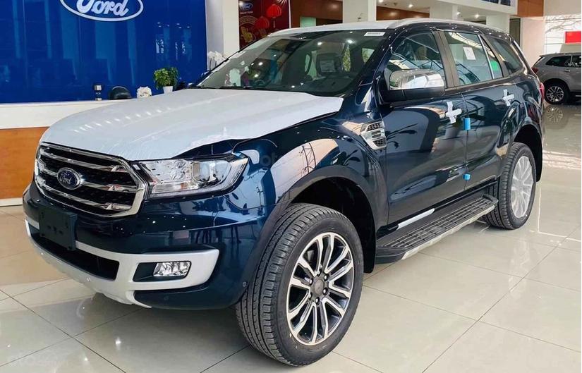 Ford Everest giảm giá kỷ lục tại Việt Nam