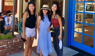 3 mẹ con Hồng Đào rạng rỡ đọ sắc, cô con gái út 18 tuổi chiếm trọn spotlight