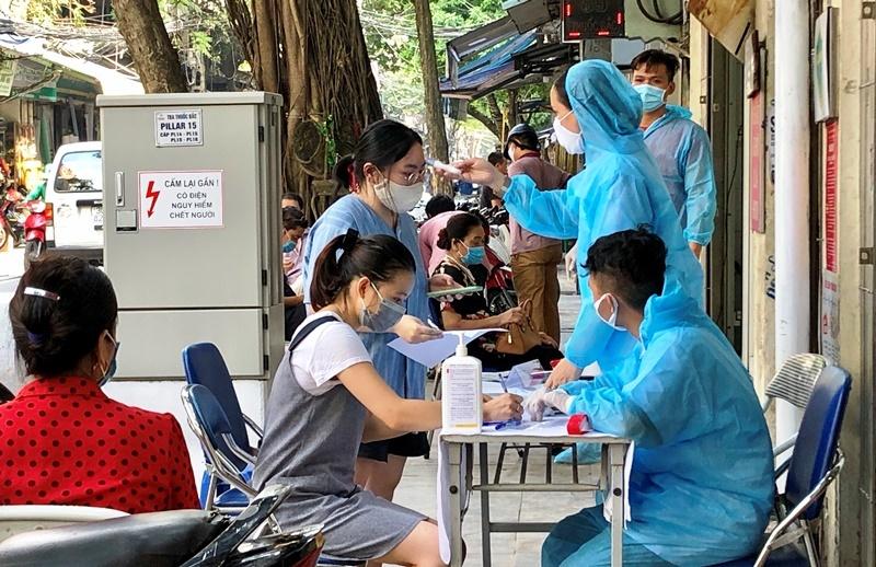 Gia Lai lấy mẫu xét nghiệm, cách ly hàng nghìn người về từ vùng dịch