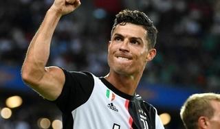 Emmanuel Adebayor: 'Ronaldo là mẫu cầu thủ 200 năm mới xuất hiện một lần'