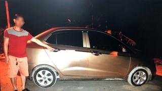 3 tên cướp dùng dao khống chế tài xế taxi rồi trốn vào rừng