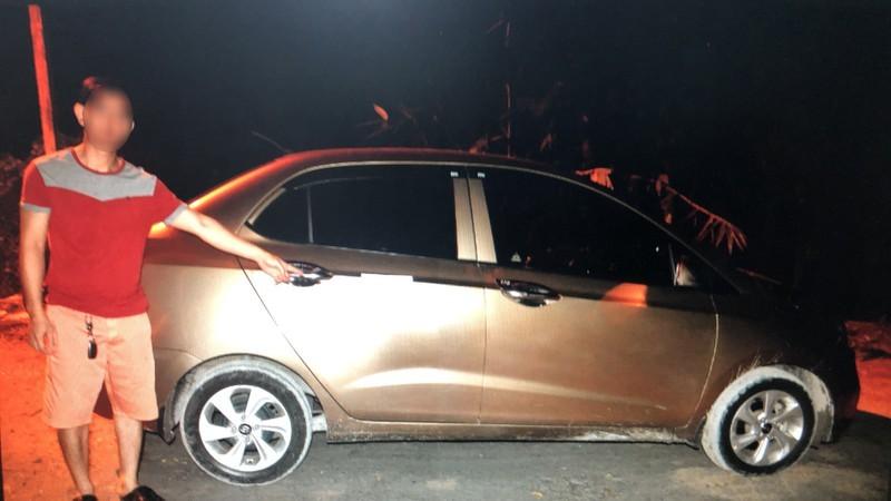 Truy bắt 2 tên cướp dùng dao khống chế tài xế taxi