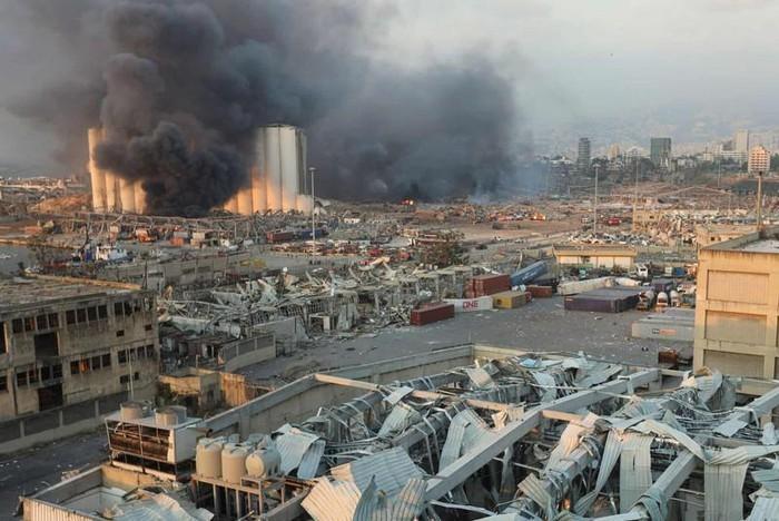 Cận cảnh, vụ nổ kinh hoàng tại Lebanon khiến 4000 người thương vong. 2