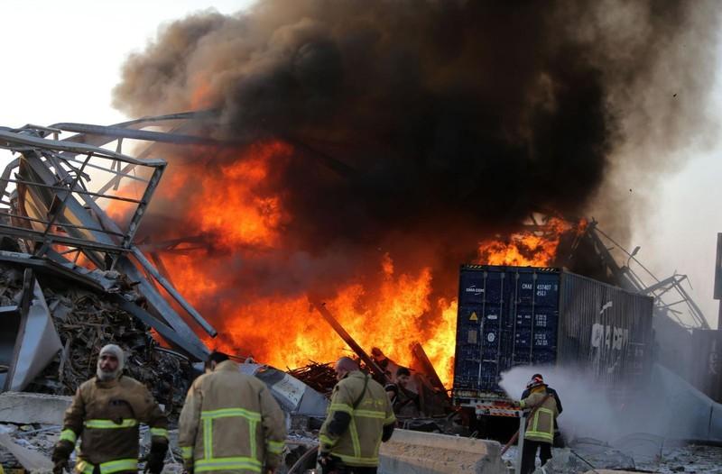 Cận cảnh vụ nổ kinh hoàng tại Lebanon khiến 4000 người thương vong. 9