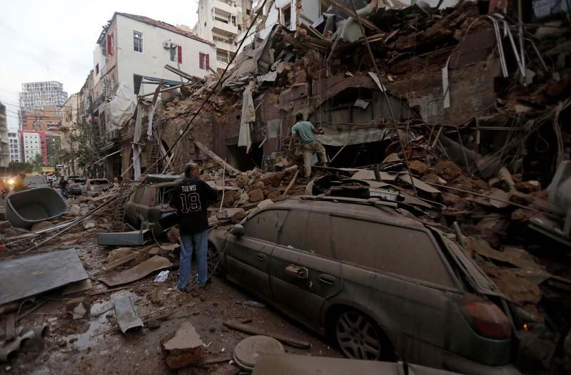 Cận cảnh vụ nổ kinh hoàng tại Lebanon khiến 4000 người thương vong