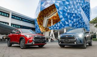 Cận cảnh Toyota Corolla Cross 2021 vừa cập bến Việt Nam