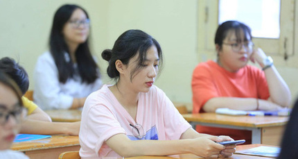 Hỗ trợ học sinh hoàn cảnh khó khăn dự thi tốt nghiệp THPT