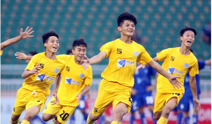 Bóng đá Nghệ An đứng trước cơ hội tái lập kỷ lục vô tiền khoáng hậu