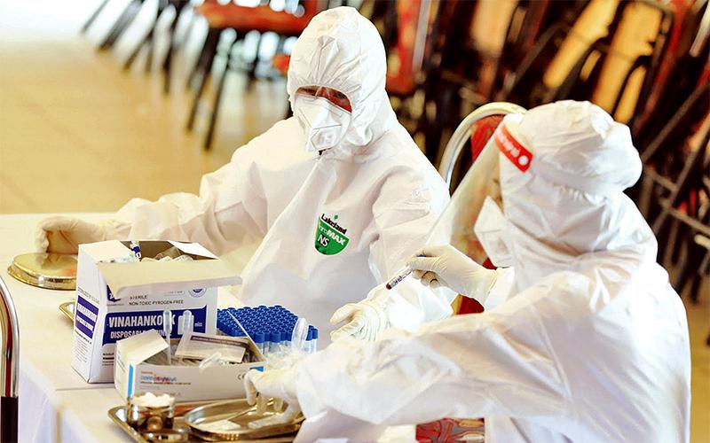 Thêm 10.000 kit xét nghiệm Covid-19 được bổ sung cho Hà Nội