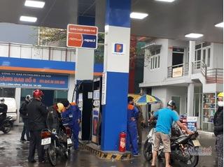 Giá xăng dầu hôm nay 8/8: Nhu cầu thị trường thấp, giá dầu tiếp tục giảm
