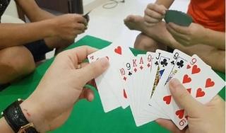 Bệnh nhân 878 ở Quảng Ngãi thường chơi đánh bài, tiếp xúc với nhiều người