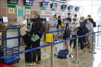Tin tức thế giới 8/8: Nga mở rộng xét nghiệm nhanh Covid-19 tại các sân bay lớn