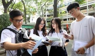 Sáng 9/8, gần 870.000 thí sinh bước vào môn thi tốt nghiệp THPT đầu tiên