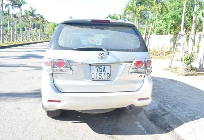 Huế: Xử lý nghiêm vụ xe ô tô chở nhiều người từ vùng dịch về tỉnh né các chốt kiểm soát y tế