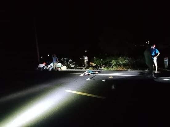 Tông vào đôi nam nữ đang đi bộ bên đường, người đi xe máy tử vong tại chỗ