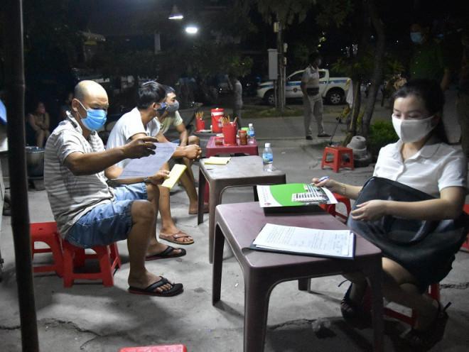 Phát hiện 3 tài xế ở Quảng Nam nhưng khai quê Bình Định để đi Huế